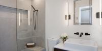 Modern Bath Room by Hamma